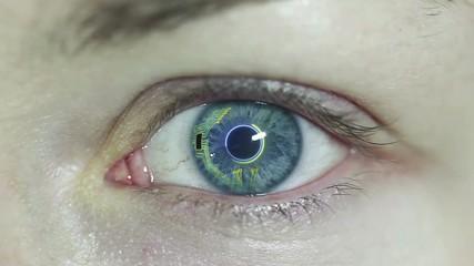 Lentillas que generan electricidad con el movimiento ocular